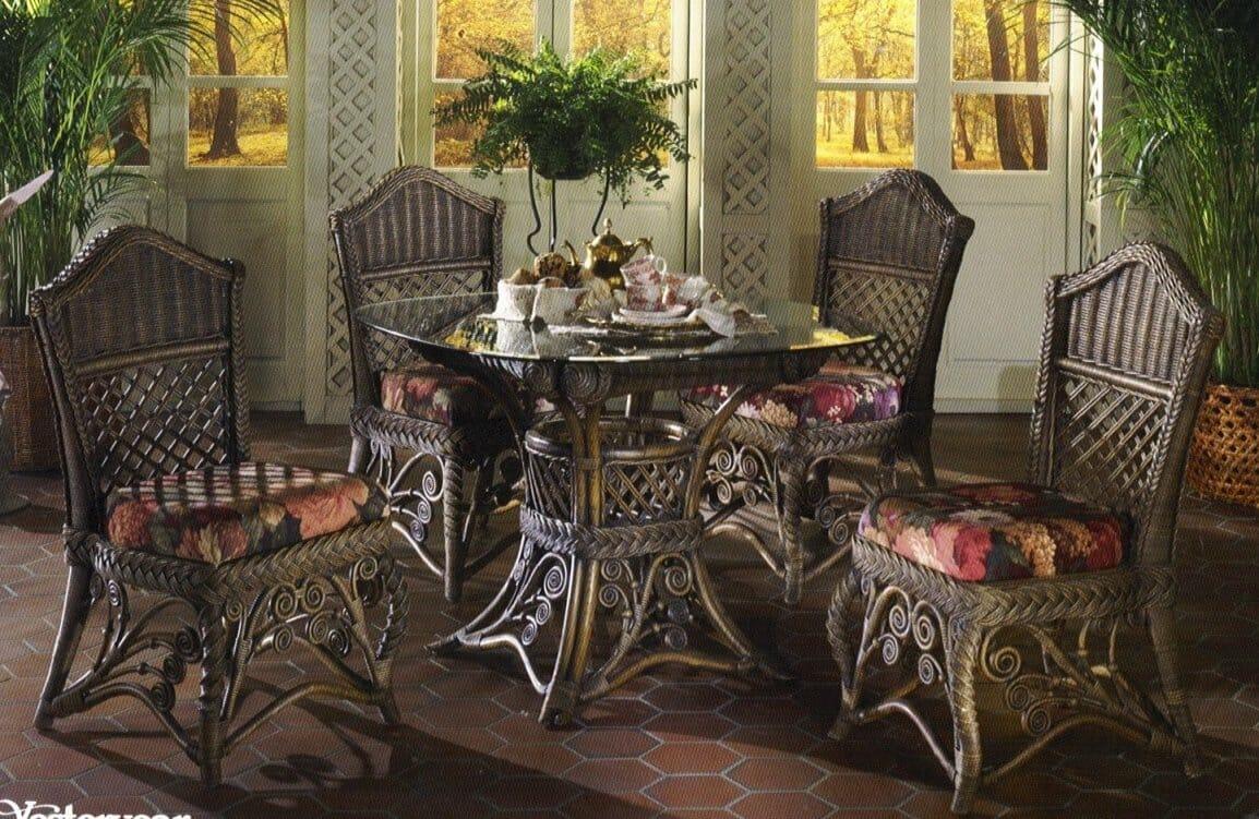 Charmant Gazebo Victorian Wicker Dining