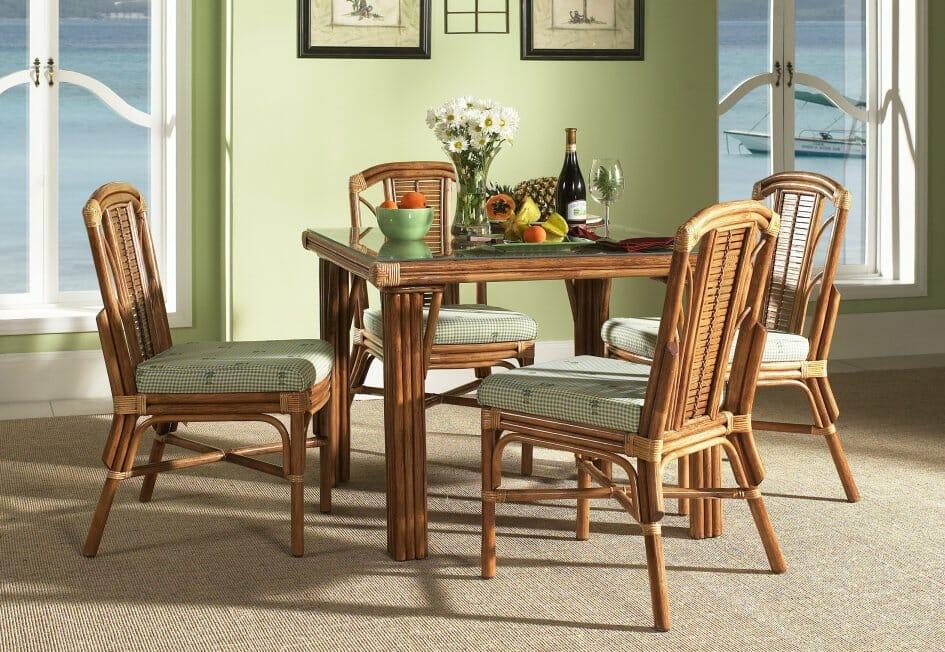 Bayview 4 Dining Chairs U0026 1851GL09 W/ 36u2033 X 36u2033 Sq. Table